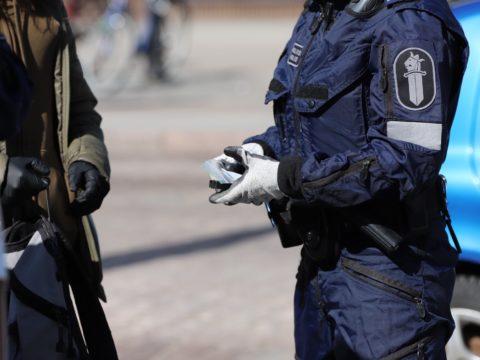 Helsingin poliisi jalkautuu tehostetusti nuorison pariin ensi viikonloppuna 13
