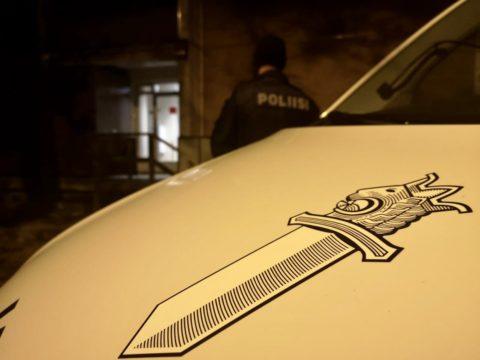 Poliisi selvitti autoliikemurron Imatralla - epäilty murtautui myös Joensuussa huoltoasemalle ja pakeni poliisia Kuhmoisissa 1