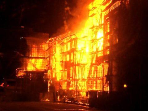Kerrostalohuoneisto paloi Keravalla sunnuntaiyönä - henkilövahingoilta vältyttiin 4