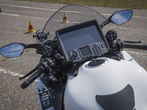 Poliisi saa paremmalla valvontatekniikalla varustetut poliisimoottoripyörät liikenteeseen 11